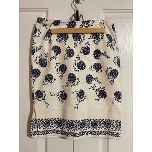 Loft skirt with pockets!